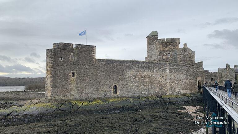 Le Château de Blackness : la Forteresse Hantée, entre Terre et Mer